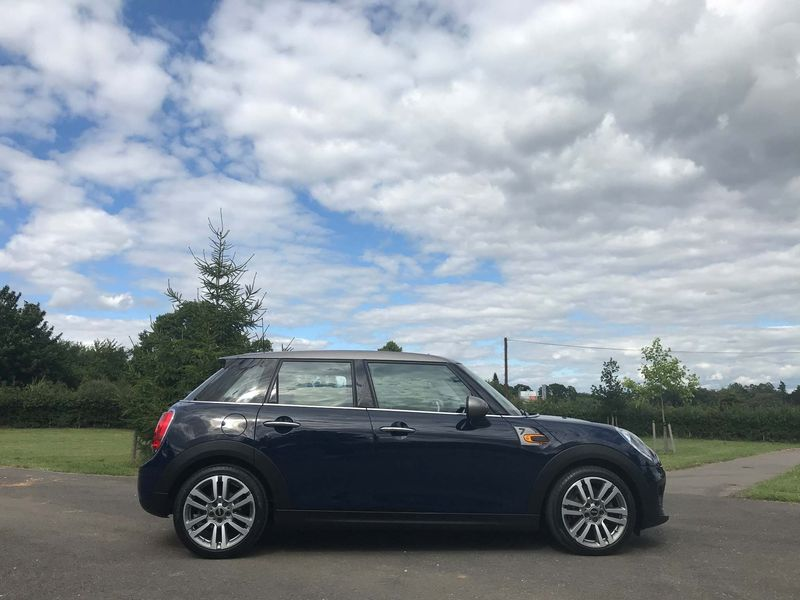 View MINI HATCH 1.5 Cooper Seven ss 5dr